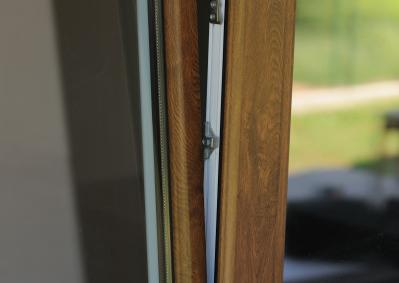 Montaż uchylnego okna